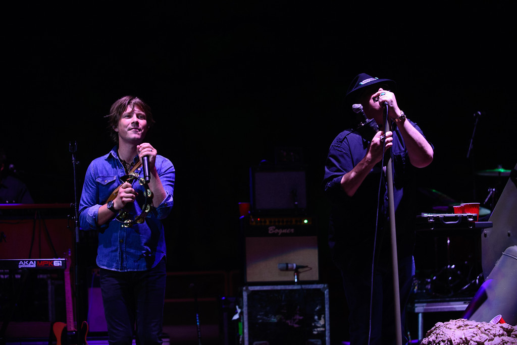 Description of . Taylor Hanson and John Popper at Red Rocks, July 4, 2015. Photo by Candace Horgan, heyreverb.com.